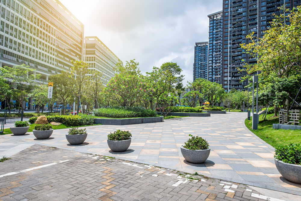 2 Things To Incorporate Into Your Commercial Landscaping